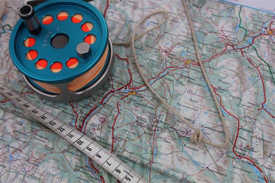 Kaart en kompas op de ouderwetse manier