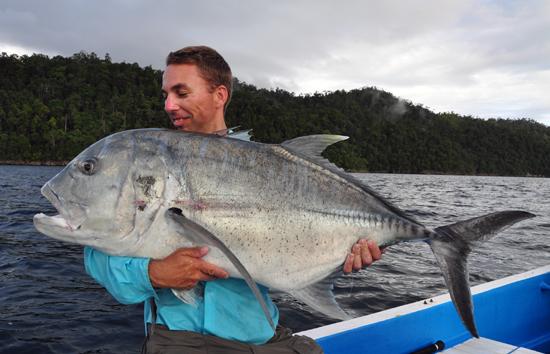 Als er een vis is die tot de verbeelding spreekt, is het wel de GT. Zet je maar schrap als het lijkt alsof je popper explodeerd in het oppervlak!