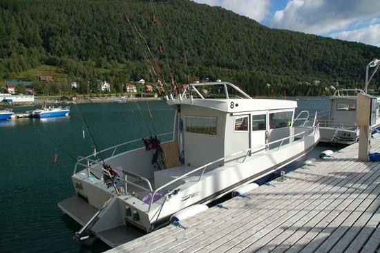 Grote boot: 27 ft Kaasbøll,- Lyngen w 200 HP.