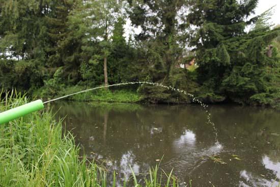 waterpistool met spirulina algen