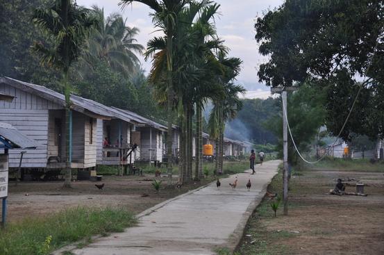 In West Papua verbleven we in een dorpje, was een ervaring om nooit te vergeten!