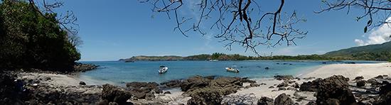 Lunchbreak op een prachtige strandje in Panama.