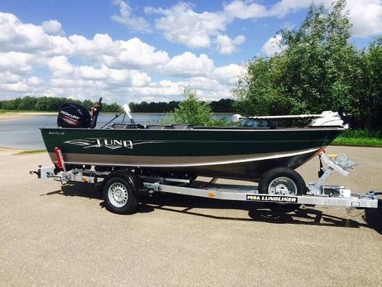 In mei verkochten John en ik de Aje-To en werd mijn oude rode Lund ingeruild voor een nieuwe 1625 Fury XL – genieten!