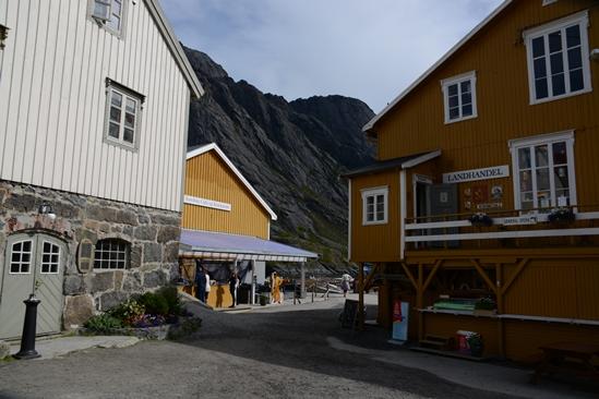 Het dorpje met winkel en restaurant