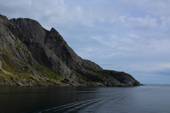 The exit and return through the Nusfjord-fjord, awesome!
