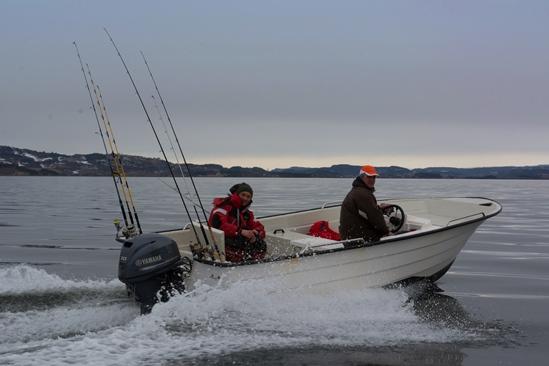 De Oyen polyester boten met 30pk buitenboordmotor